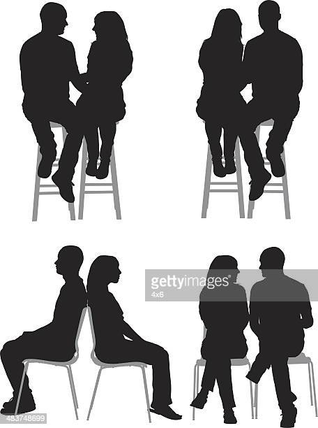 illustrations, cliparts, dessins animés et icônes de silhouette de couples - assis