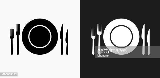ilustrações de stock, clip art, desenhos animados e ícones de silverware and plate icon on black and white vector backgrounds - talheres