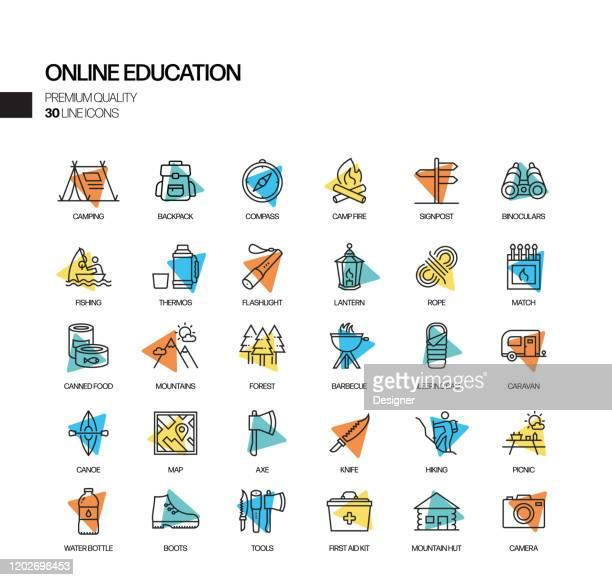 オンライン教育関連スポットライトベクトル線アイコンの簡単なセット。アウトラインシンボルコレクション。 - 試験点のイラスト素材/クリップアート素材/マンガ素材/アイコン素材