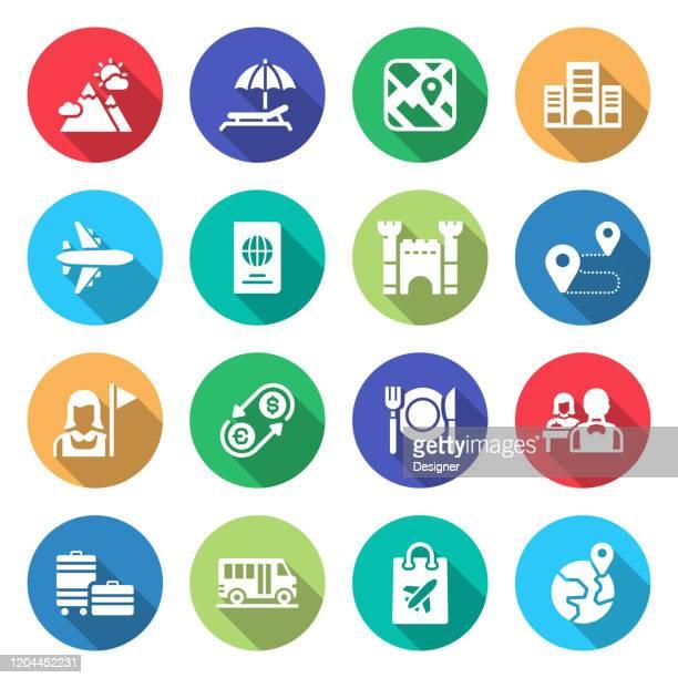 illustrations, cliparts, dessins animés et icônes de simple ensemble d'icônes vectorielles liées au tourisme et aux voyages. collection de symboles - tourisme