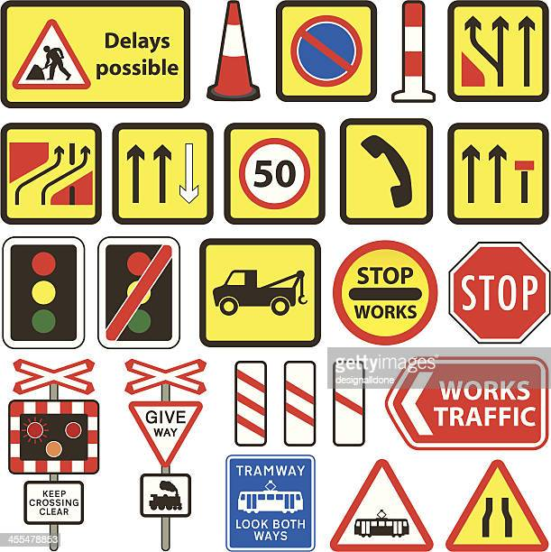 illustrations, cliparts, dessins animés et icônes de travaux de voirie & simple au royaume-uni au niveau du carrefour signes - permis de conduire