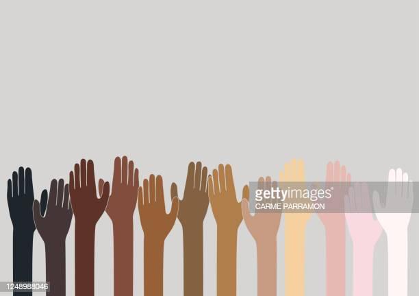 illustrations, cliparts, dessins animés et icônes de pièces de puzzle de tonalité de peau. monde multiethnique - être à l'ombre