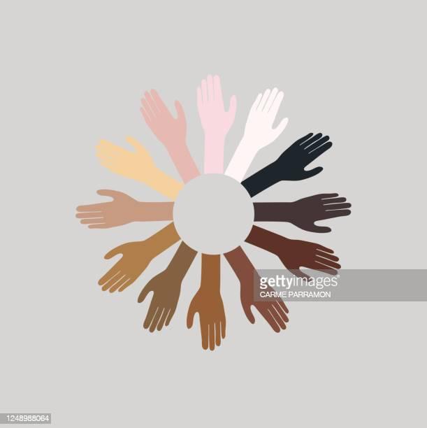 スキントーンパズルピース。多民族の世界 - 社会運動点のイラスト素材/クリップアート素材/マンガ素材/アイコン素材