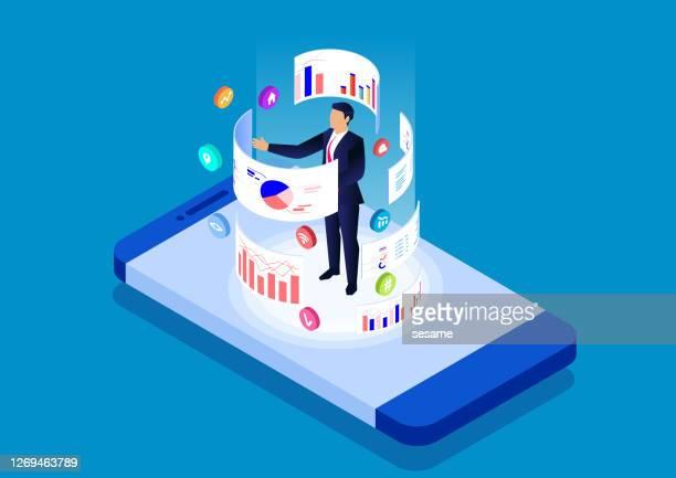ilustraciones, imágenes clip art, dibujos animados e iconos de stock de herramienta de análisis y gestión de datos en línea de smartphone, aplicación móvil de análisis de datos - mercado bursátil