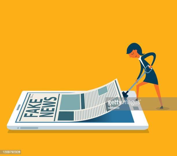 ilustrações, clipart, desenhos animados e ícones de smartphone com limpeza - empresária - fake news