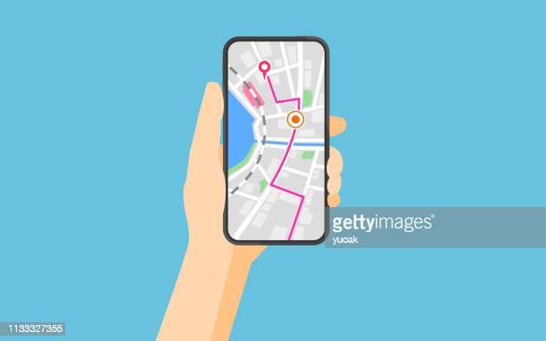 ilustrações, clipart, desenhos animados e ícones de smartphone com navegação - liso