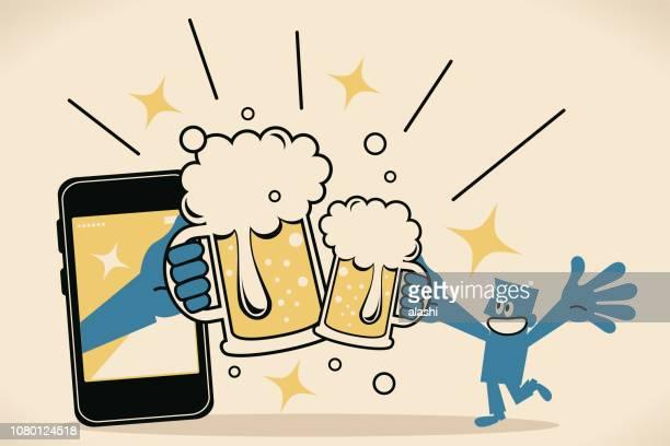 スマート フォンから大きな手とビール (ビールを飲むと乾杯) お祝い乾杯に参加するガラスを持ち上げるブルーマンを笑顔 - 乾杯点のイラスト素材/クリップアート素材/マンガ素材/アイコン素材