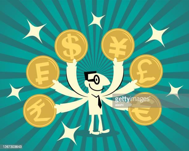 手と様々な通貨硬貨の多くを持つ笑顔のビジネスマン:スイスフラン、日本円、米ドル、中国人民元、英国ポンド、インドルピー - 中国元記号点のイラスト素材/クリップアート素材/マンガ素材/アイコン素材