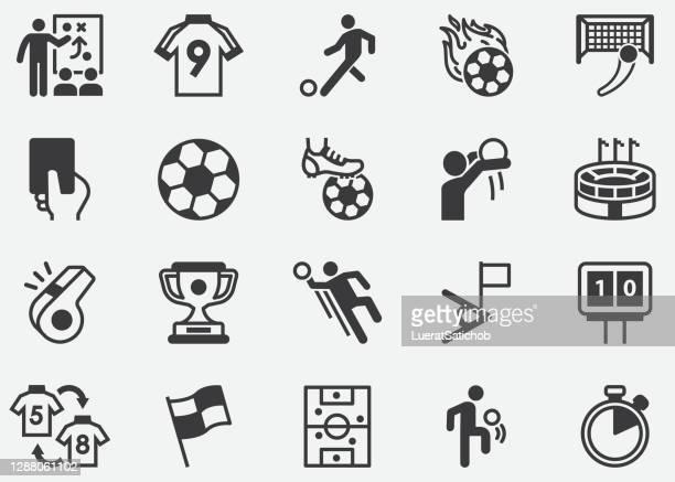 ilustrações, clipart, desenhos animados e ícones de futebol , futebol , copa do mundo , liga de futebol, torneio,esporte,relaxando, pixel de bola ícones perfeitos - fazer um gol