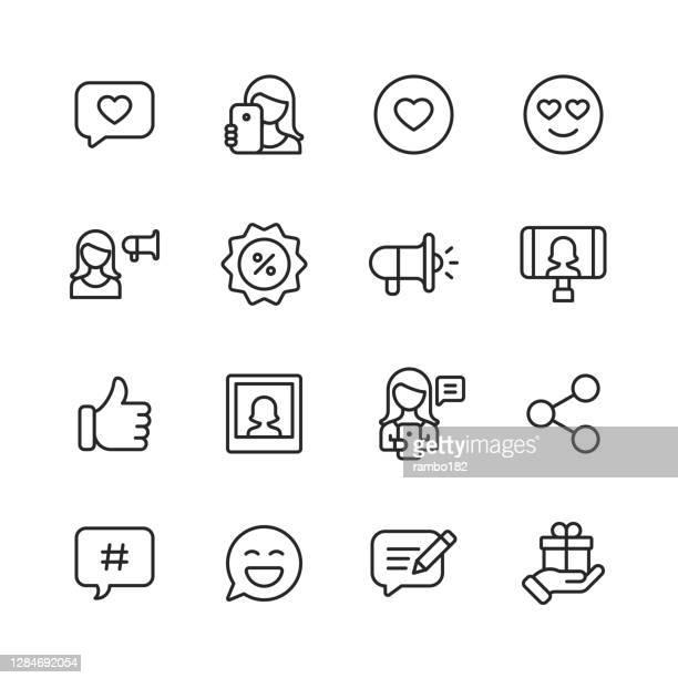 illustrations, cliparts, dessins animés et icônes de icônes de ligne d'influenceur de médias sociaux. course modifiable. pixel parfait. pour mobile et web. contient des icônes telles que la messagerie en ligne, application mobile, selfie, marketing numérique, publicité, streaming vidéo, événement e - génération du millénaire