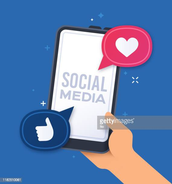 illustrazioni stock, clip art, cartoni animati e icone di tendenza di social media smart phone - social network