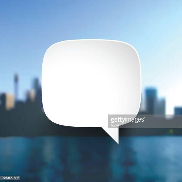 sprechblase auf ansicht der wolkenkratzer - stadtbild - schriftnachricht stock-grafiken, -clipart, -cartoons und -symbole