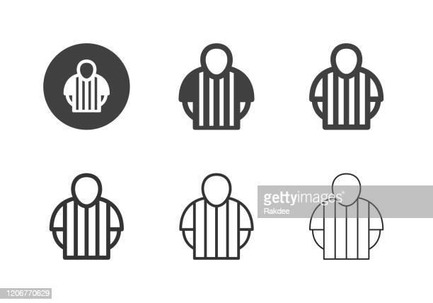 ilustraciones, imágenes clip art, dibujos animados e iconos de stock de iconos de árbitros deportivos - multi series - equipo de fútbol