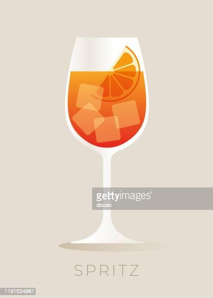 aperol spritz cocktail mit orangenscheibe. - eisheilige stock-grafiken, -clipart, -cartoons und -symbole