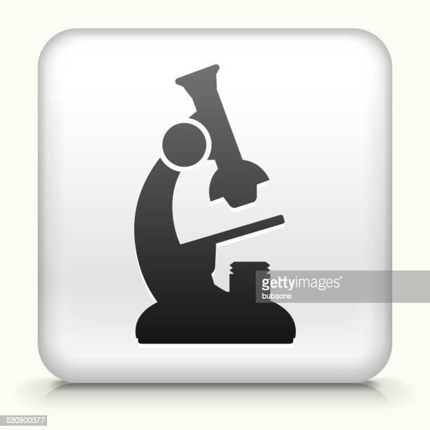 Botón cuadrado con microscopio de arte vectorial libre de derechos