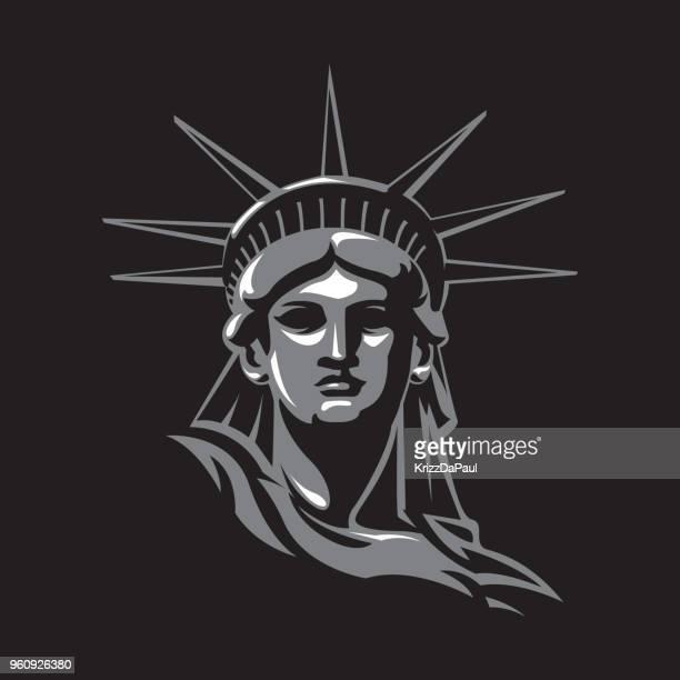 ilustraciones, imágenes clip art, dibujos animados e iconos de stock de estatua de la libertad en la noche - estatua de la libertad