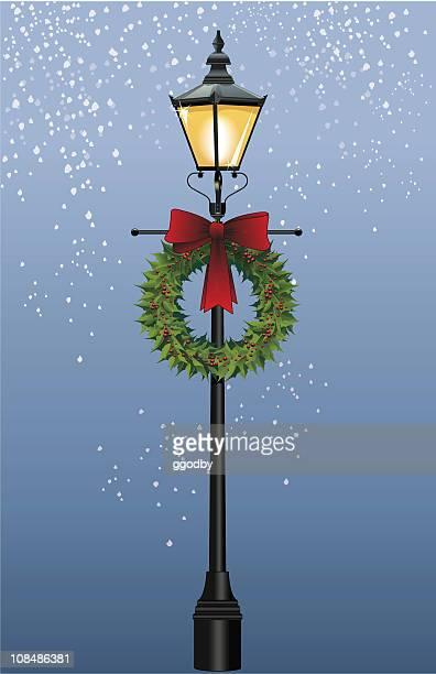 Lámpara de calle con corona (Vector