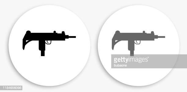ilustraciones, imágenes clip art, dibujos animados e iconos de stock de sub-ametralladora icono redondo negro y blanco - submachine gun
