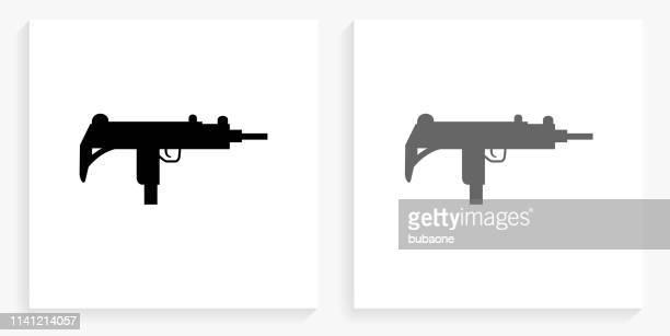 ilustraciones, imágenes clip art, dibujos animados e iconos de stock de sub-máquina pistola icono cuadrado blanco y negro - submachine gun