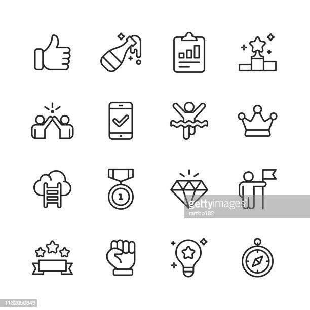 illustrazioni stock, clip art, cartoni animati e icone di tendenza di icone di linea di successo e premi. tratto modificabile. pixel perfetto. per dispositivi mobili e web. contiene icone come vincente, lavoro di squadra, primo luogo, celebrazione, direzione. - sicurezza di sé