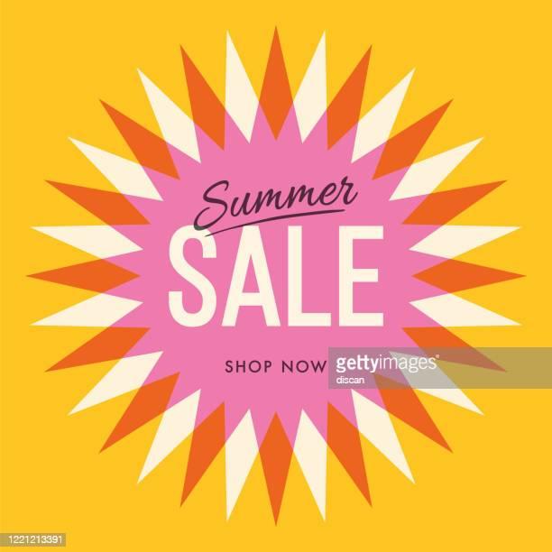 sommer-verkaufsbanner mit sonne. sonne mit strahlen. sommer-vorlage poster-design für druck oder web. - ausverkauf stock-grafiken, -clipart, -cartoons und -symbole