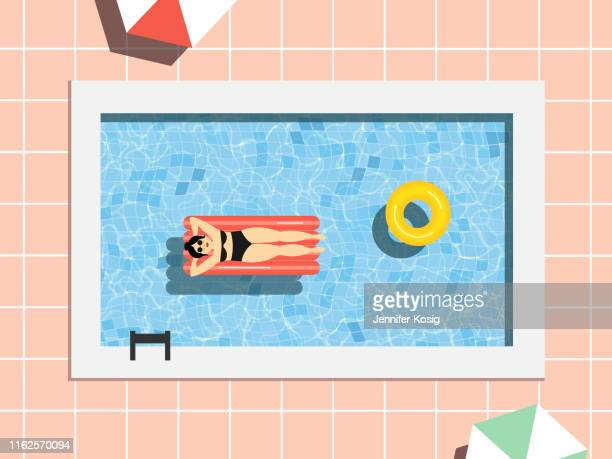 illustrations, cliparts, dessins animés et icônes de scène de piscine d'été avec la femme - bain de soleil