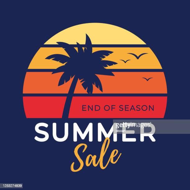 sommer tropischen verkauf banner mit palmen silhouette und farbverlauf hintergrund. - sonnenuntergang stock-grafiken, -clipart, -cartoons und -symbole