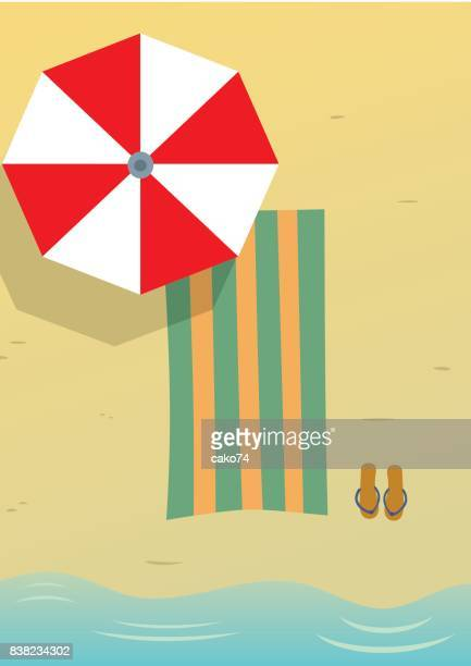 stockillustraties, clipart, cartoons en iconen met zomer aan zandstrand - strandparasol