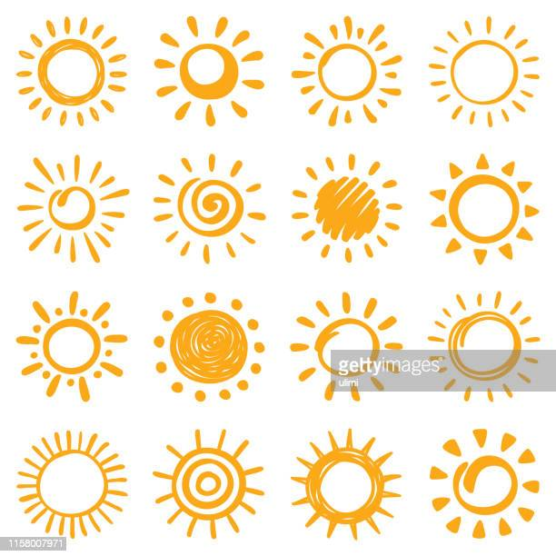 stockillustraties, clipart, cartoons en iconen met zon iconen set. hand getekende illustratie - zon