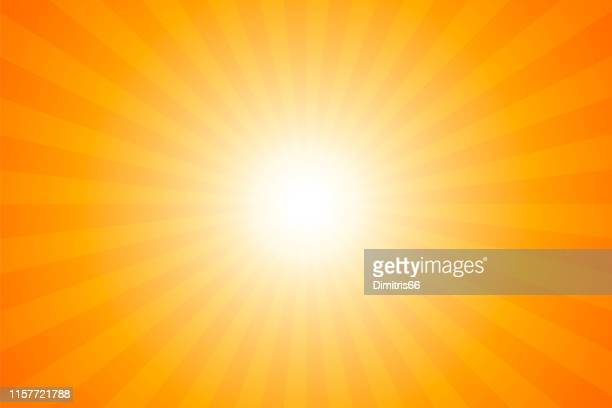 illustrazioni stock, clip art, cartoni animati e icone di tendenza di sunbeams: bright rays background - riflesso sull'obiettivo