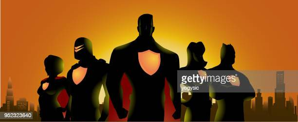 ilustraciones, imágenes clip art, dibujos animados e iconos de stock de super héroe equipo silueta en fondo del skyline de la ciudad - adulto