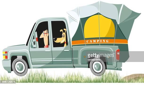 illustrations, cliparts, dessins animés et icônes de chien doux et propriétaire sur le chemin du camping (vector) - chien humour