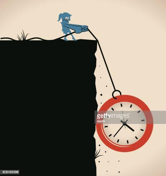 ilustraciones, imágenes clip art, dibujos animados e iconos de stock de tome su tiempo, una empresaria (mujer, muchacha) tracción (fricción) reloj de tiempo en la cuerda (dragrope) sobre el acantilado, presión del tiempo y concepto de gestión del tiempo de nuevo - madre trabajadora