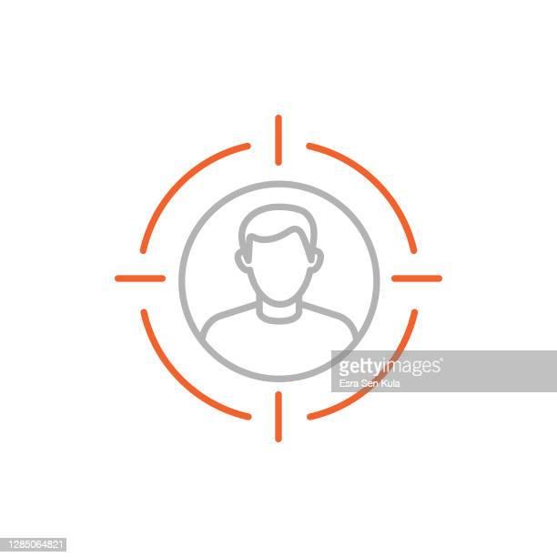 target audience single line icon mit bearbeitbarem strich - zielgruppe stock-grafiken, -clipart, -cartoons und -symbole