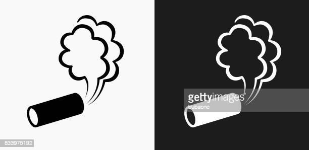 ilustraciones, imágenes clip art, dibujos animados e iconos de stock de gas lacrimógeno icono en blanco y negro vector fondos - tear gas