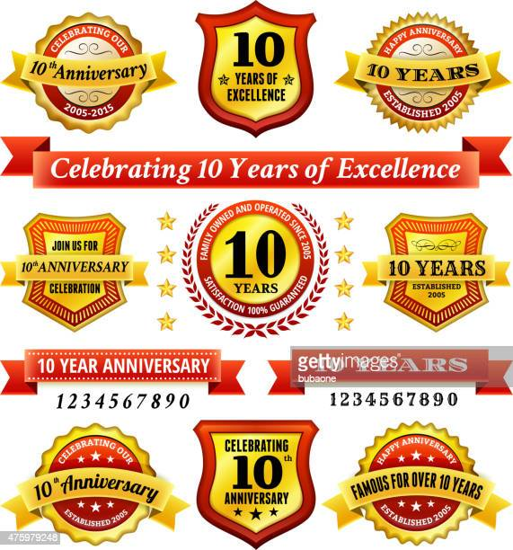 10 周年記念のロイヤリティフリーのベクトルの背景にゴールデンバッジ - 10th anniversary点のイラスト素材/クリップアート素材/マンガ素材/アイコン素材