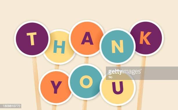 illustrazioni stock, clip art, cartoni animati e icone di tendenza di segni di ringraziamento - reggere