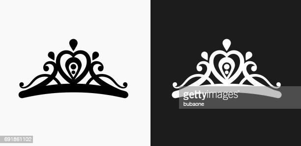 illustrazioni stock, clip art, cartoni animati e icone di tendenza di icona tiara su sfondi vettoriali in bianco e nero - diadema copricapo