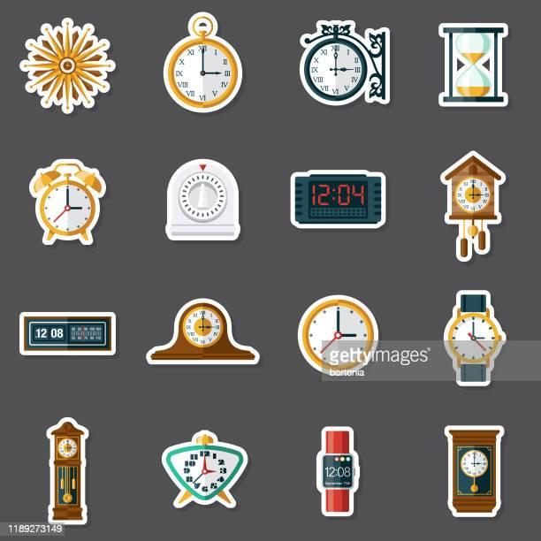 ilustraciones, imágenes clip art, dibujos animados e iconos de stock de conjunto de pegatinas de relojes - reloj de pared