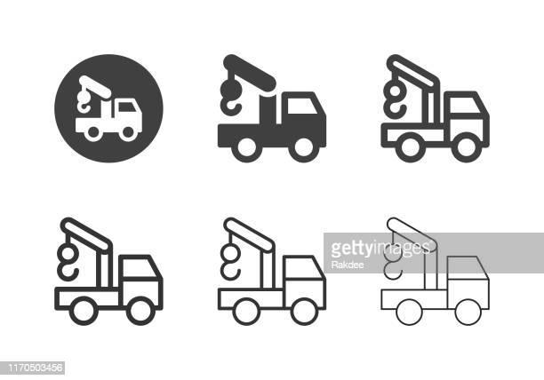 ilustraciones, imágenes clip art, dibujos animados e iconos de stock de iconos de remolque - serie múltiple - camionero