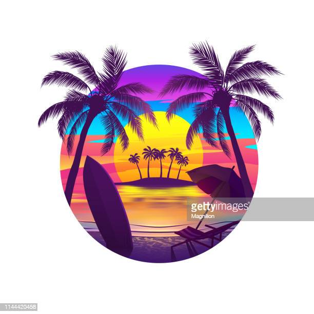 ilustraciones, imágenes clip art, dibujos animados e iconos de stock de tropical beach at sunset with island - puestadesol