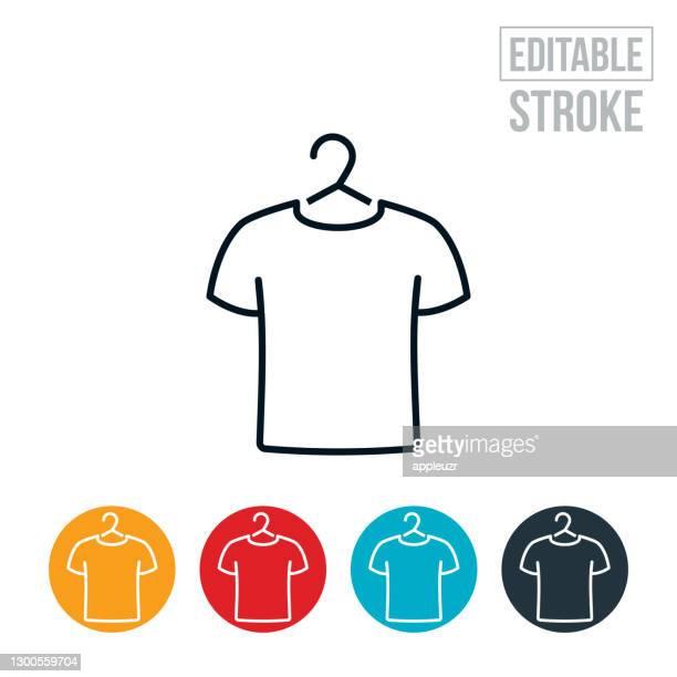 ハンガーの細い線アイコンのtシャツ - 編集可能ストローク - tシャツ点のイラスト素材/クリップアート素材/マンガ素材/アイコン素材