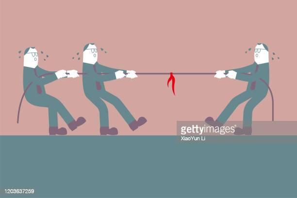 ilustraciones, imágenes clip art, dibujos animados e iconos de stock de remolco de la guerra, tres hombres de negocios tirando de cuerda en direcciones opuestas. un hombre compite con dos hombres. - educacion fisica