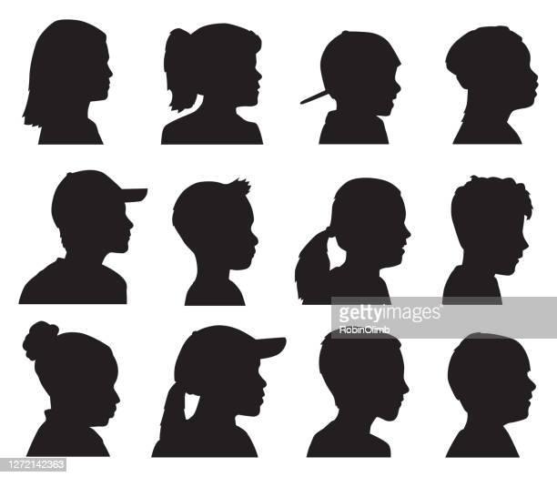 12人の子供のヘッドプロファイルシルエット - ショートヘア点のイラスト素材/クリップアート素材/マンガ素材/アイコン素材