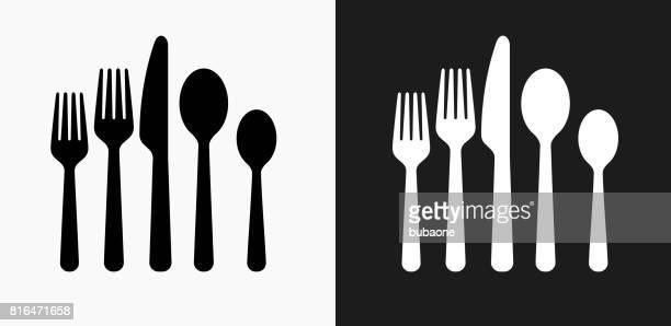 ilustraciones, imágenes clip art, dibujos animados e iconos de stock de utensilios icono en blanco y negro vector fondos - tenedor