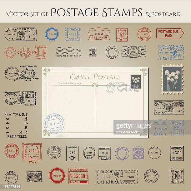 ilustrações, clipart, desenhos animados e ícones de vetor coleção de selos postais e cartões postais - correio correspondência