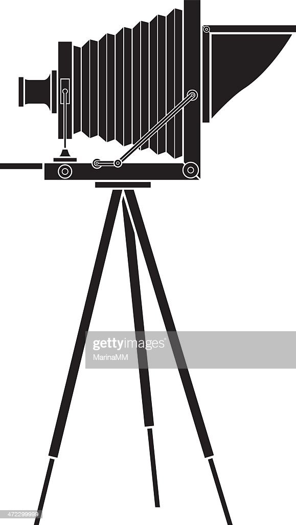 Vector graphic of an old photo camera on a tripod : stock illustration