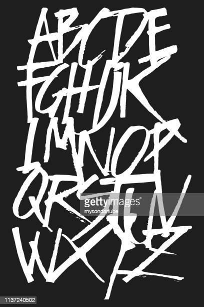 ilustrações, clipart, desenhos animados e ícones de ilustração maiúscula do alfabeto do grunge do vetor - caligrafia