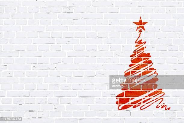 vektor-illustration eines kreativen rot gefärbten weihnachtsbaum scribcribled durch freie hand zeichnung über weißen ziegelwand xmas hintergrund. - graffito stock-grafiken, -clipart, -cartoons und -symbole
