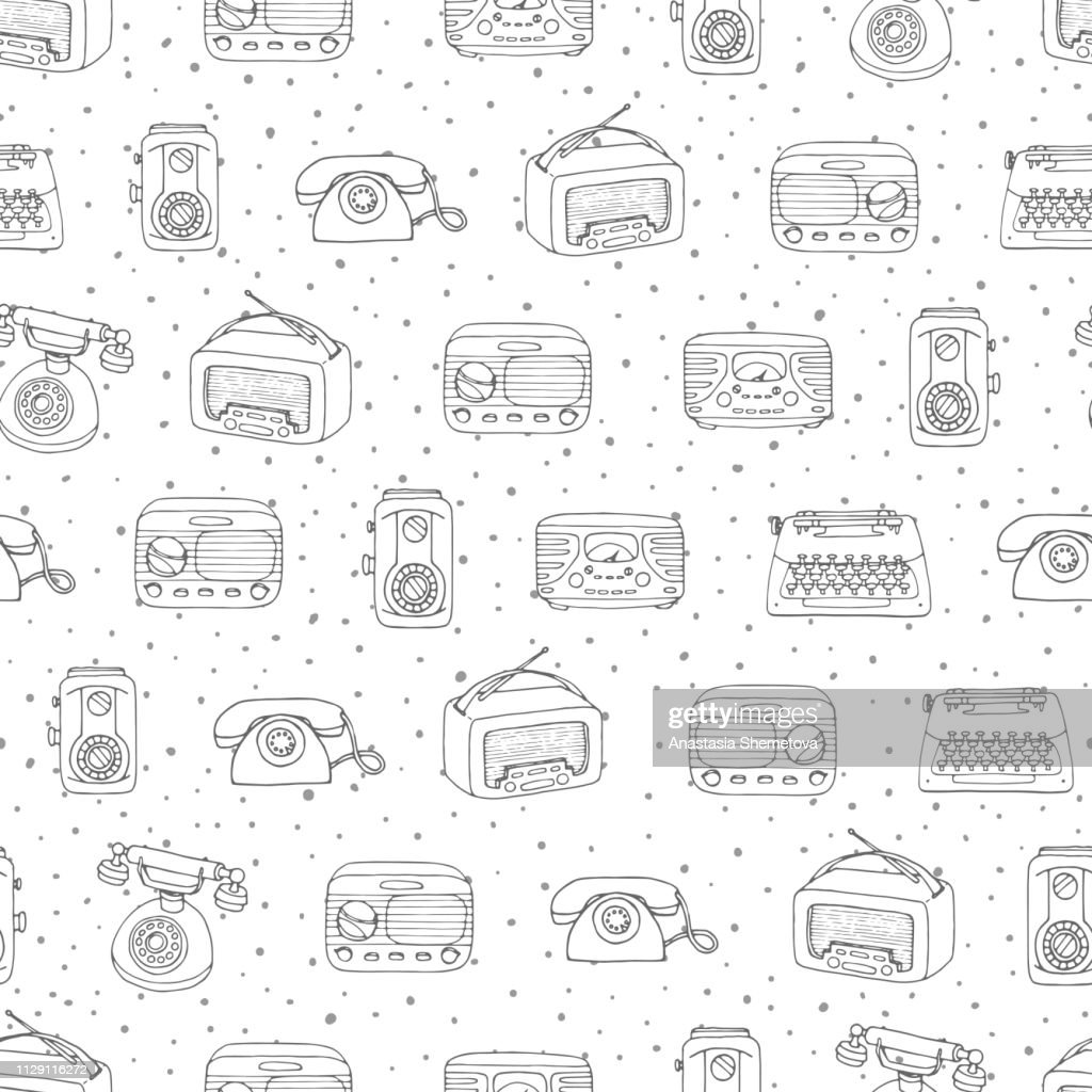 Vector retro seamless pattern with antique tech, radio and typewriter outline on the dotted background. Hand drawn vintage objects from 1950s and 1960s.